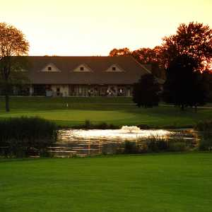 Station Creek GC: Clubhouse