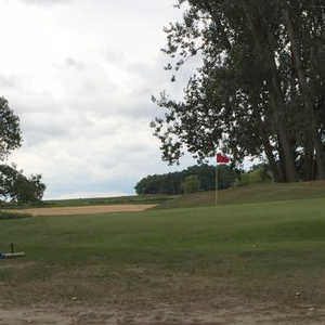 Canadiana Country Club & Golf Course