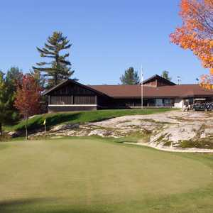 Parry Sound G & CC: clubhouse